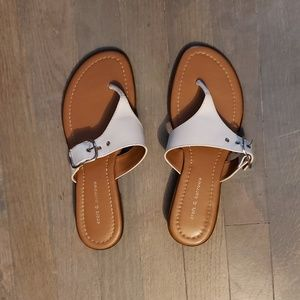 Croft &barrow flip flops